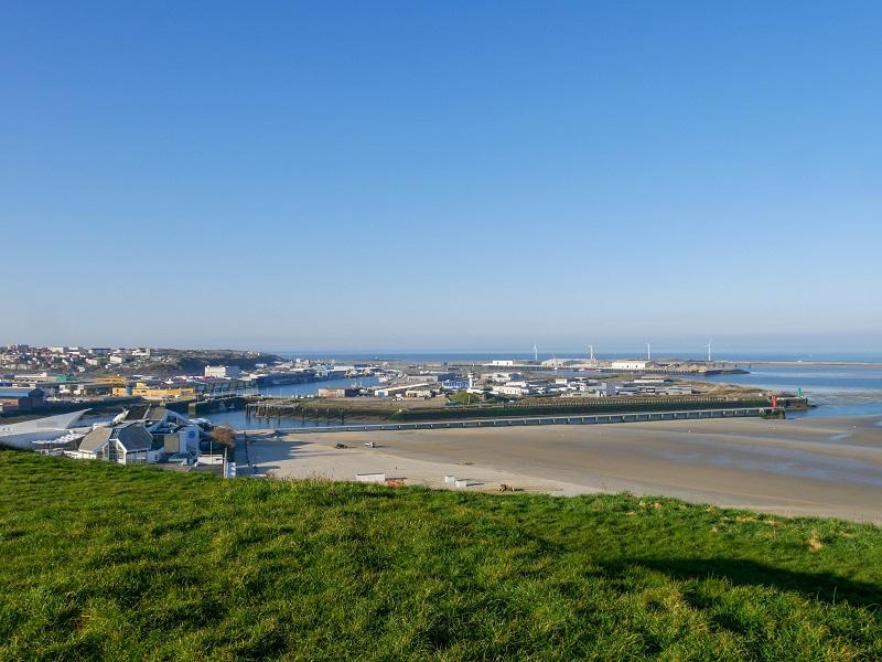 Vue des installations portuaires de Boulogne